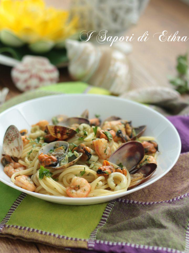 Spaghetti alla marinara con cozze tarantine