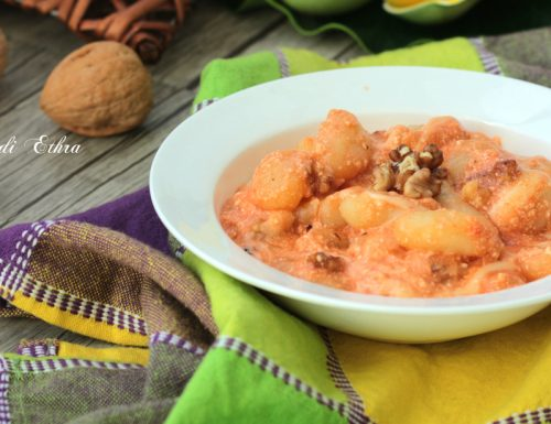 Gnocchi di patate con crema di ricotta e noci