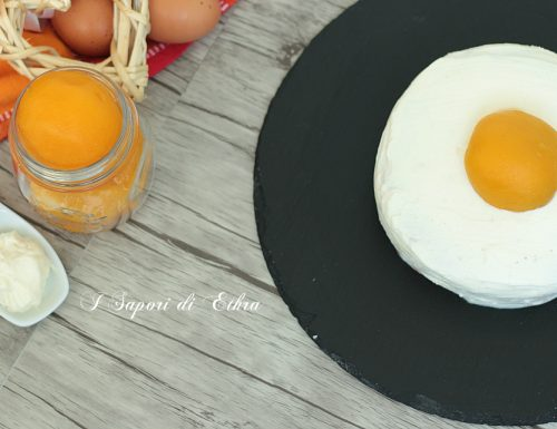 Torta mascarpone e pesca che si crede un uovo a tegamino!!! :-)