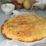 Pizza con patate gratinate croccanti