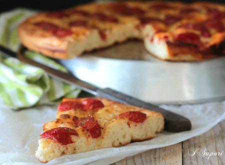 Focaccia con pomodorini ricetta pugliese perfetta