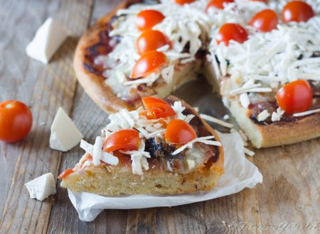 Pizza  melanzana pomodoro e cacio