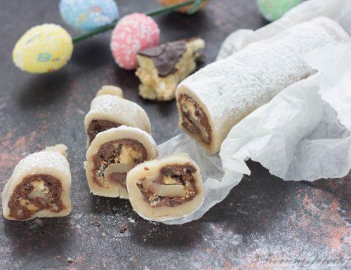Rotolo di pasta reale con cioccolata e brioche