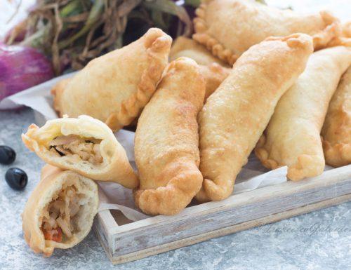 Ricetta panzerotti fritti con cipolla e olive