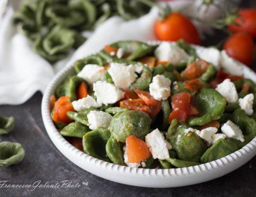 Orecchiette pugliesi verdi con pomodorini e ricotta