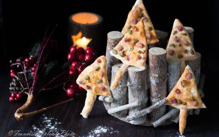 Stuzzichini natalizi sfiziosi di pizza velocissimi