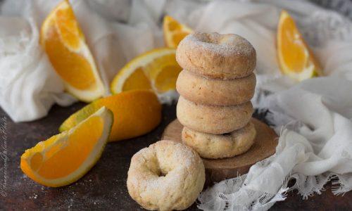 Taralli pugliesi dolci da inzuppo all'arancia