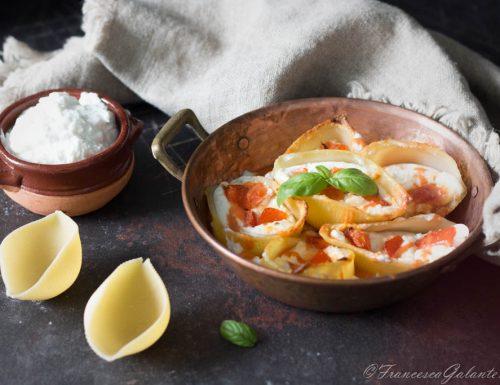 Conchiglioni al forno con ricotta e pomodorini