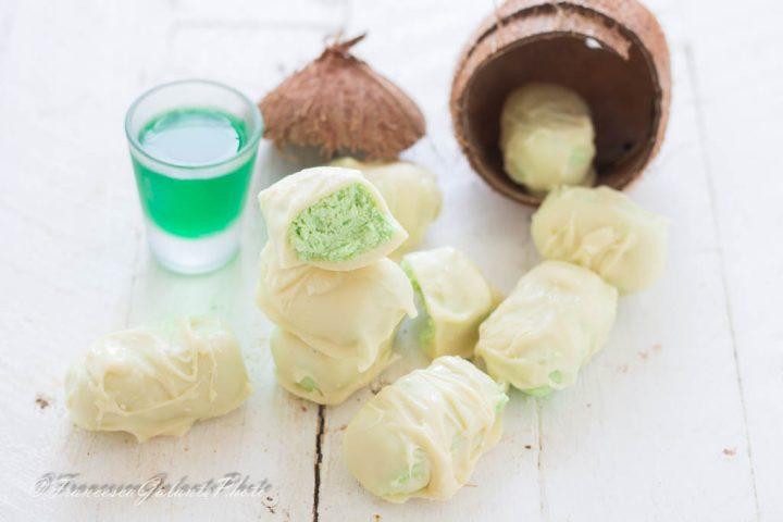 Dolcetti al cocco freddi menta e cioccolato bianco