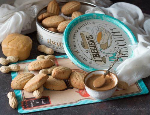 Biscotti al burro di arachidi friabili e golosi