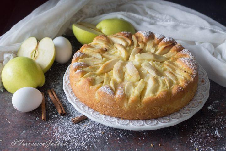 Dolce alla mela e crema pasticcera veloce