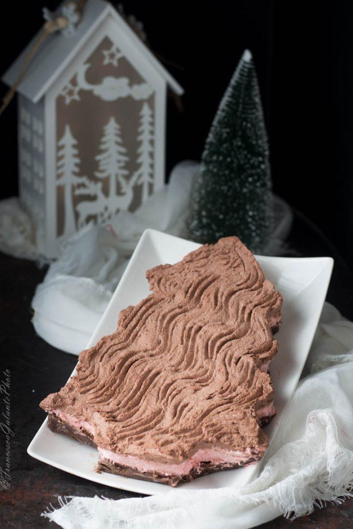 Cheesecake natalizia al fondente e frutti di bosco