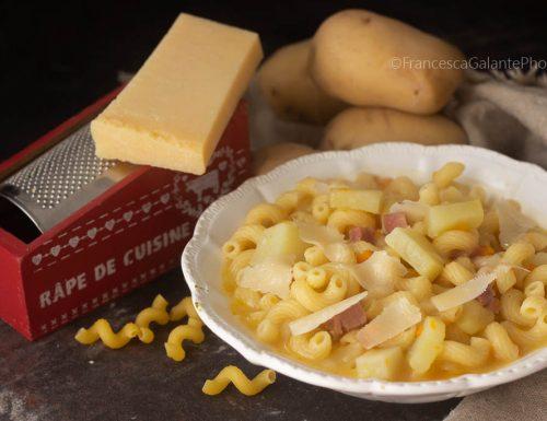 Pasta con patate e pancetta (ricetta di famiglia)