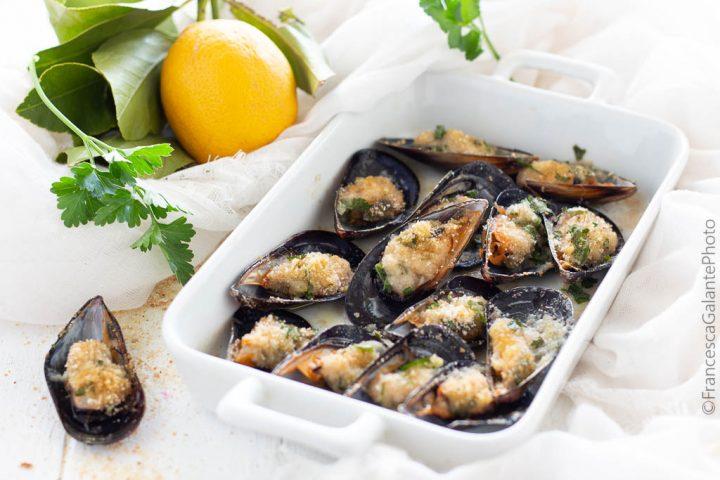Cozze arraganate (gratinate) ricetta tarantina