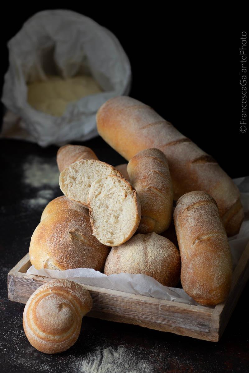 Filoncini di pane e semolini con lievito  licoli