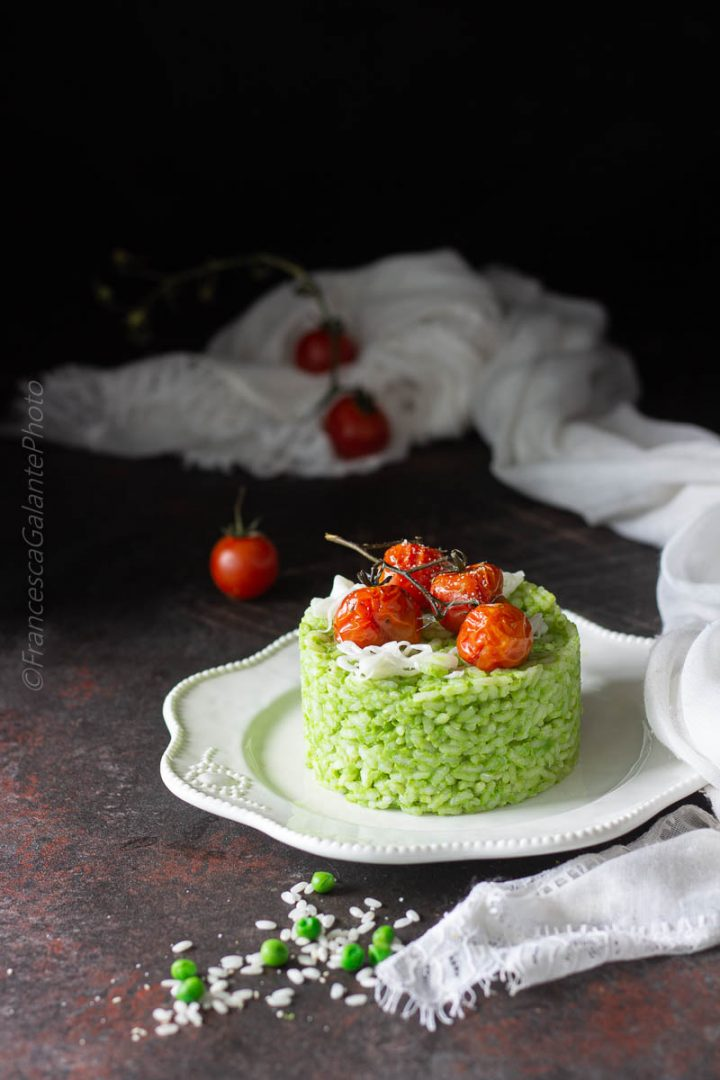 Risotto ai piselli con pomodorini al forno