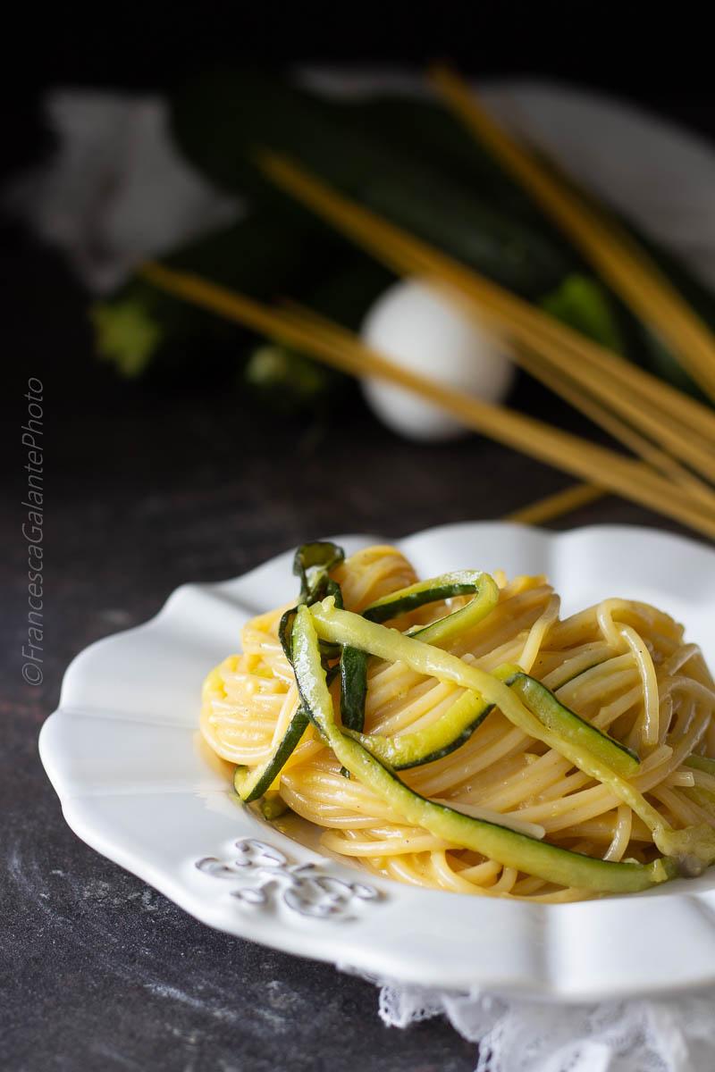 Pasta alla carbonara di zucchine cremosissima