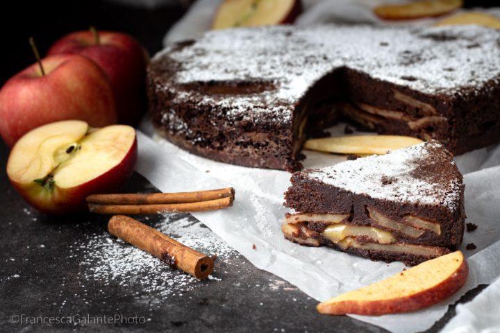 Torta umida con mele cacao e ricotta