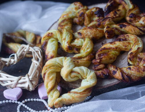 Cuori di sfoglia golosi al pistacchio