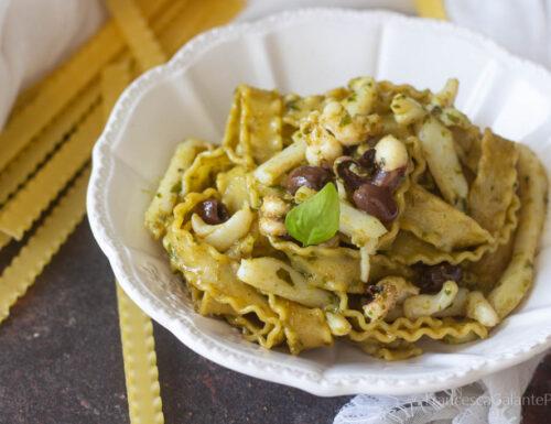 Pasta reginette con seppie olive taggiasche e pesto