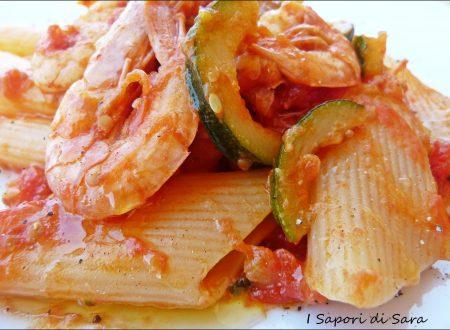 Pasta, gamberi e zucchine
