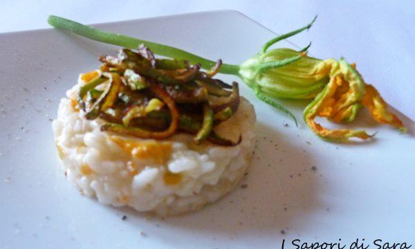 Risotto light ai fiori di zucca con julienne di zucchina croccante