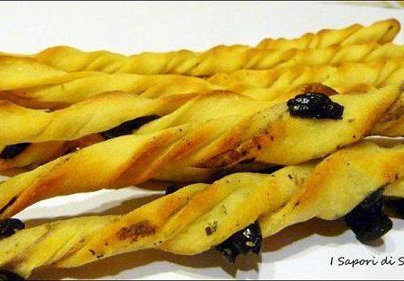 Frustine con olive nere e nduja di Spilinga