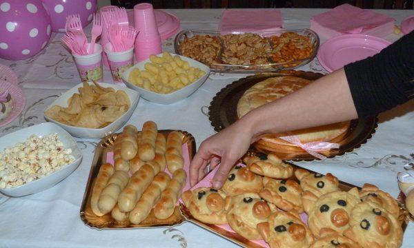 Buffet bambini per una festa di compleanno