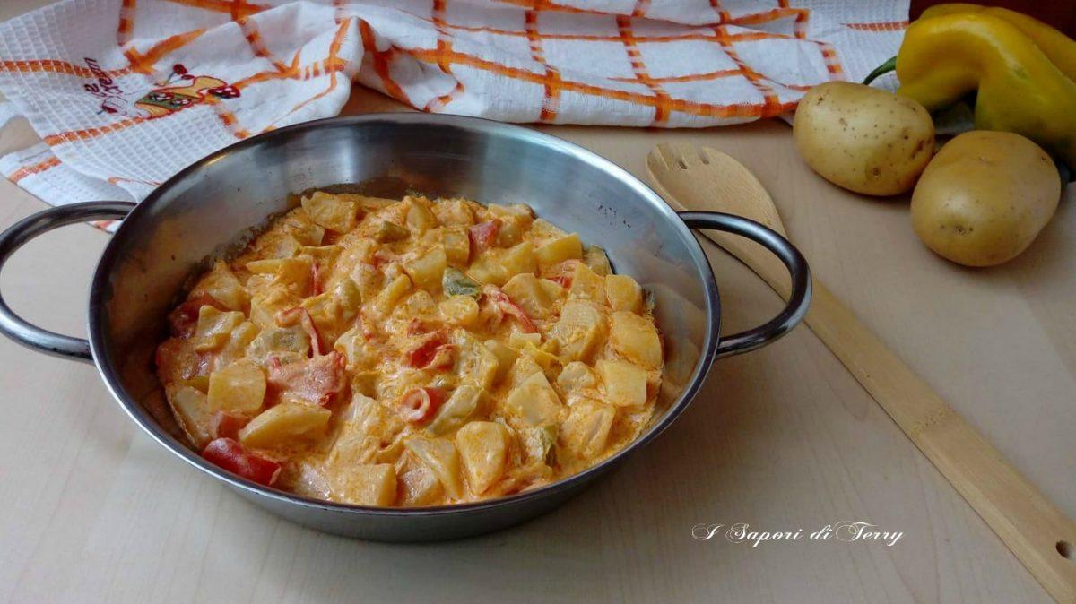 Patate cremose con peperoni e philadelphia