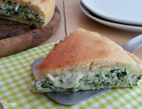 Torta rustica con spinaci ricotta e formaggio fuso