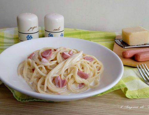 Spaghetti con philadelphia e wustel