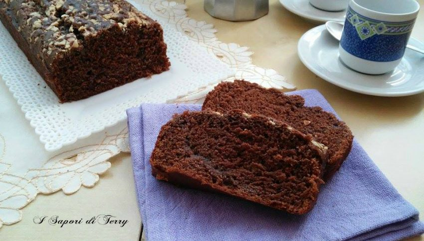 Plum-cake soffice con cacao ricotta e scagliette di cioccolato