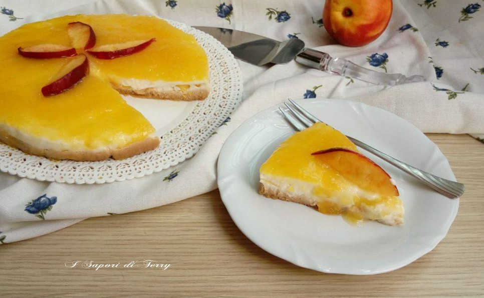 Cheesecake alle pesche ricetta leggera