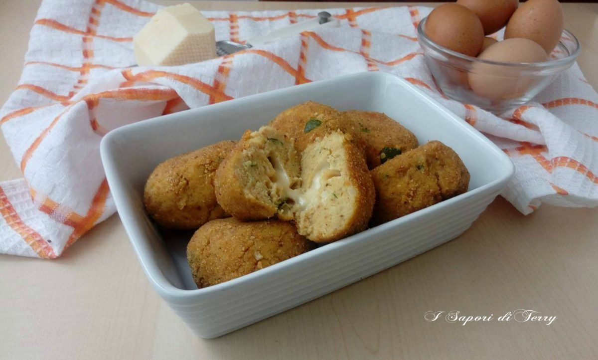 Crocchette di zucchine e patate cotte in forno