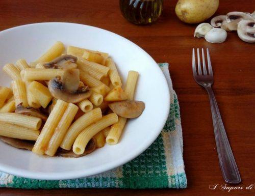 Pasta con patate e funghi