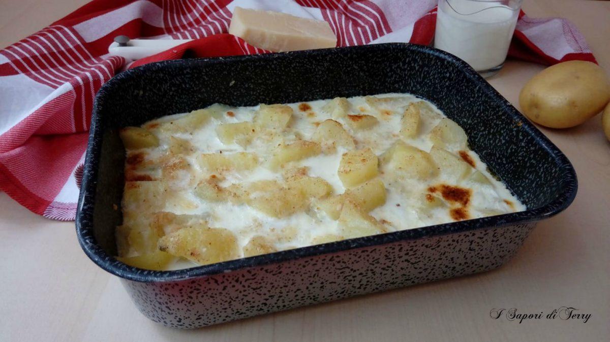 Patate cremose al gorgonzola gratinate in forno