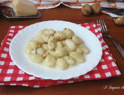 Gnocchi di patate con gorgonzola e noci