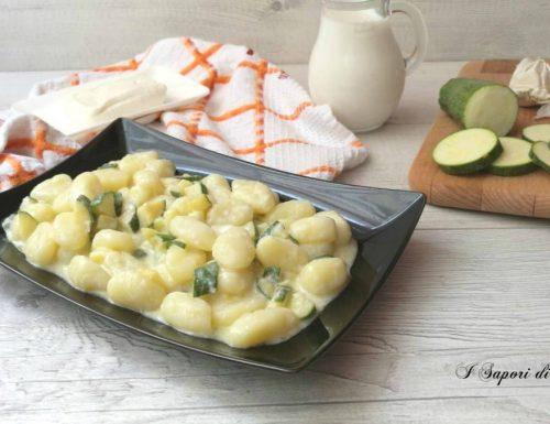 Gnocchi di patate con zucchine e stracchino