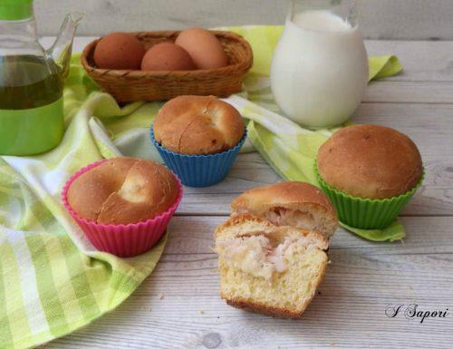Muffin salati di semola rimacinata farciti