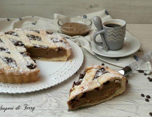 Crostata con crema di caffè e cioccolato