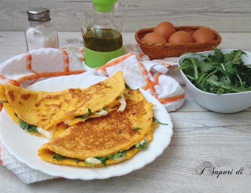 Omelette con mozzarella e rucola