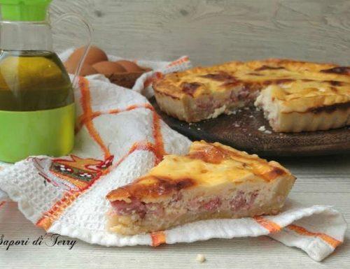 Quiche con pancetta uova e formaggio