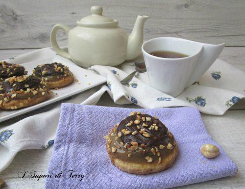 Biscotti con nocciole cioccolato e caffè