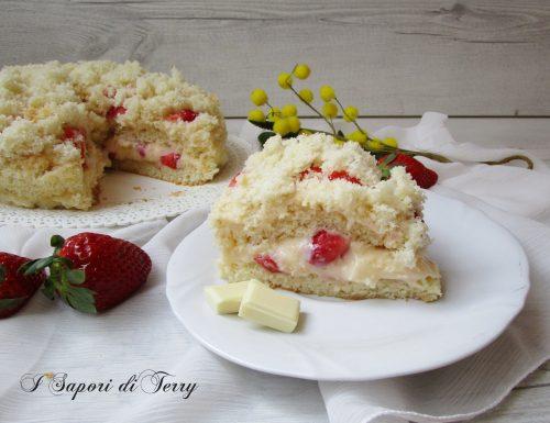 Torta mimosa con fragole e cioccolato bianco