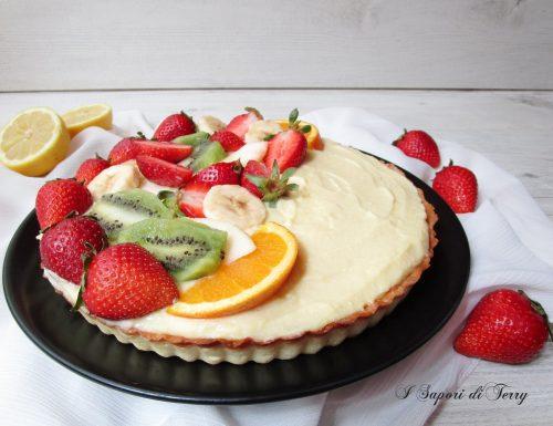 Crostata con crema di ricotta e frutta