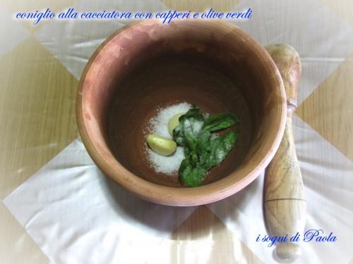 coniglio alla cacciatora con capperi e olive verdi 01