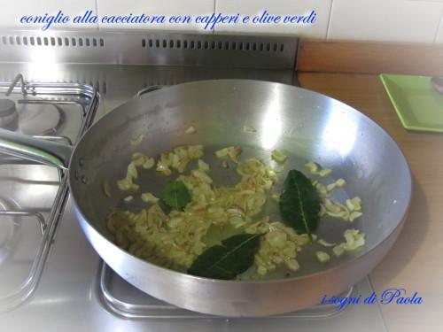 coniglio alla cacciatora con capperi e olive verdi 06