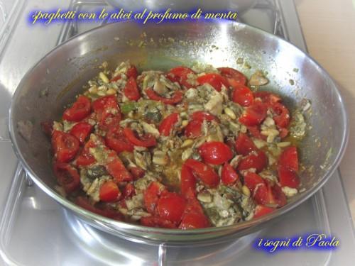 spaghetti con le alici al profumo di menta 06