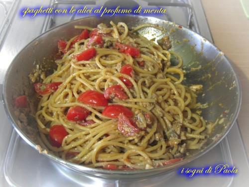 spaghetti con le alici al profumo di menta 08