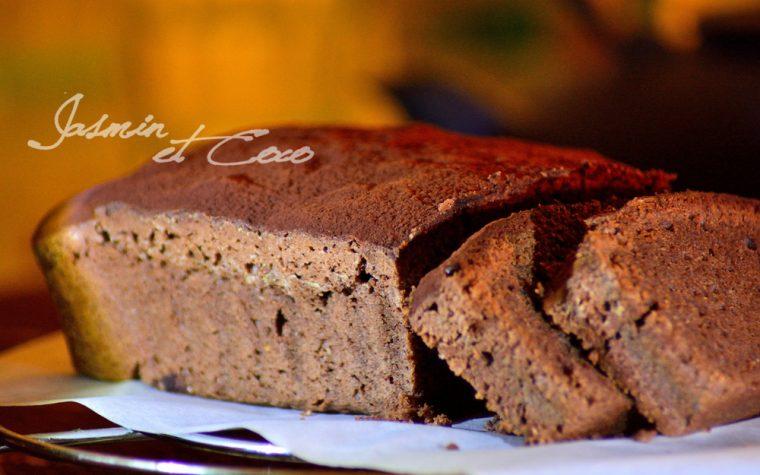 """Cake soffice cioccolato e uvetta (per un compleanno """"fondente"""")"""